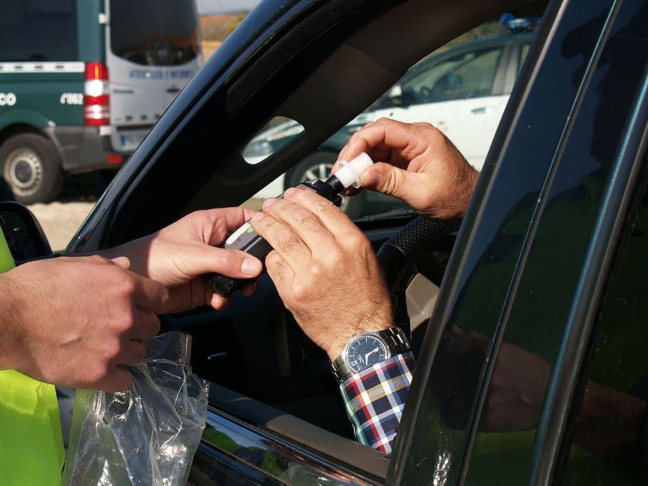 الكشف عن حالات غش عديدة في الامتحانات المنزلية test breathalyzer driver breath control