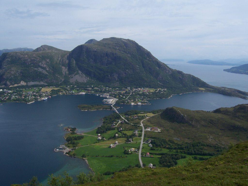 عادت إلى النرويج من لبنان في الوقت المناسب Midsund 1024x768